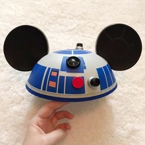 NWT Disney Parks Star Wars Mickey Mouse Hat R2D2